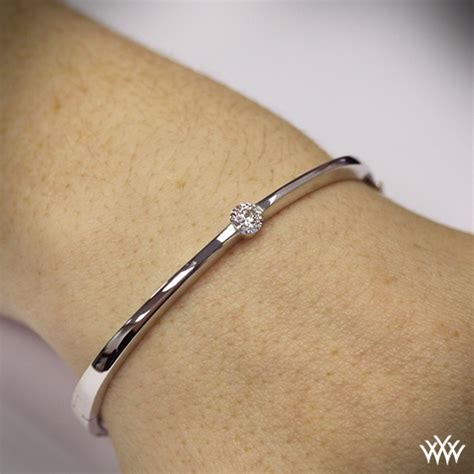 'Diamond Solitaire' Bangle   710