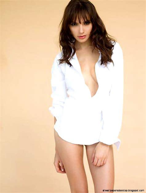 biography gal gadot gal gadot israeli model actress wiki biography omg magazines