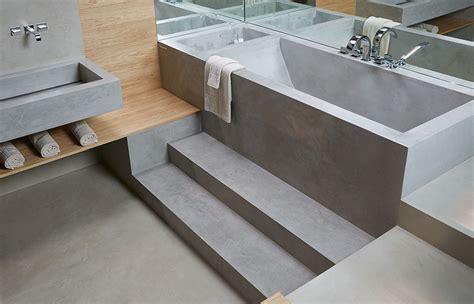 vasca da bagno interrata rivestimento bagno moderno con microtopping