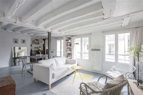 Paris 4e : Esprit loft sur cour avec poutres apparentes   Agence EA Paris