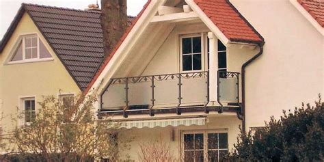 edelstahl balkongeländer mit glas aussen gel 228 nder vordach 208