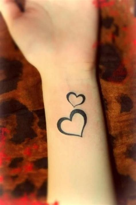 heartbeat tattoo wrist 25 best ideas about heart wrist tattoos on pinterest