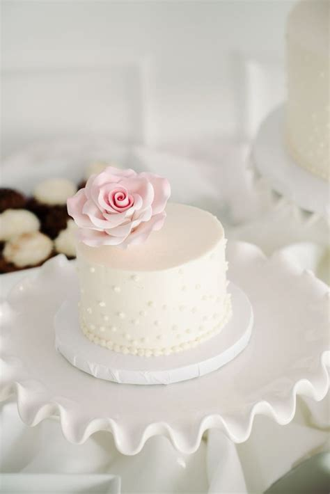 mini wedding cakes  good  eat  tutorials
