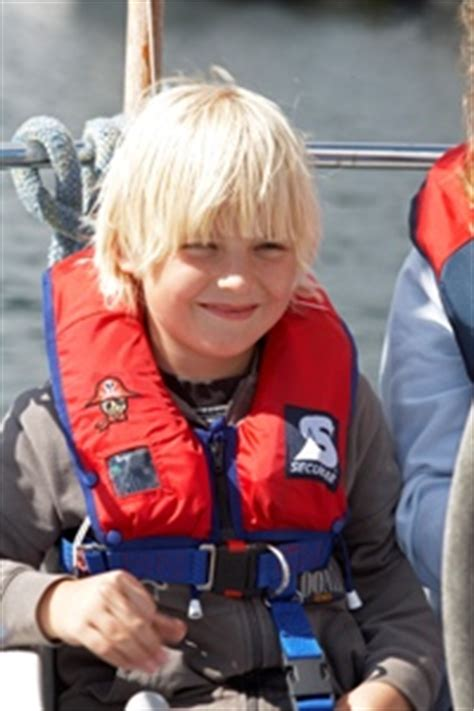 test reddingsvest kind kinder zwemvesten en reddingsvesten kopen veiligheid aan
