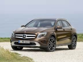 Mercedes Cross Country Mercedes Gla 220 Cdi Vs Volvo V40 Cross Country D4 The