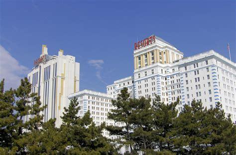 hotel atlantic city file resorts atlantic city hotel towers jpg wikimedia