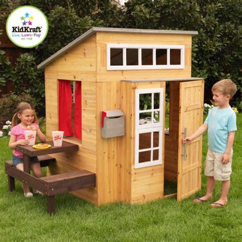 cabane de jardin en bois pour les enfants