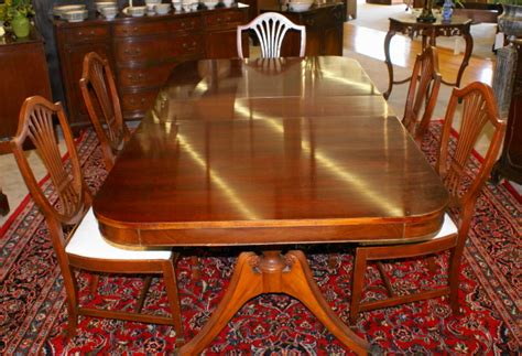 mahogany duncan phyfe dining room table and set of six pictured above is a mahogany duncan phyfe double pedestal