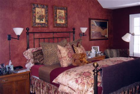 cranberry bedroom painting with red glazing with red chinese red miriam