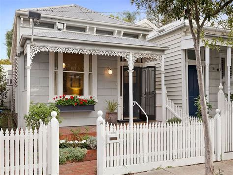 white weatherboard house pin by kate bromley on exterior colour scheme