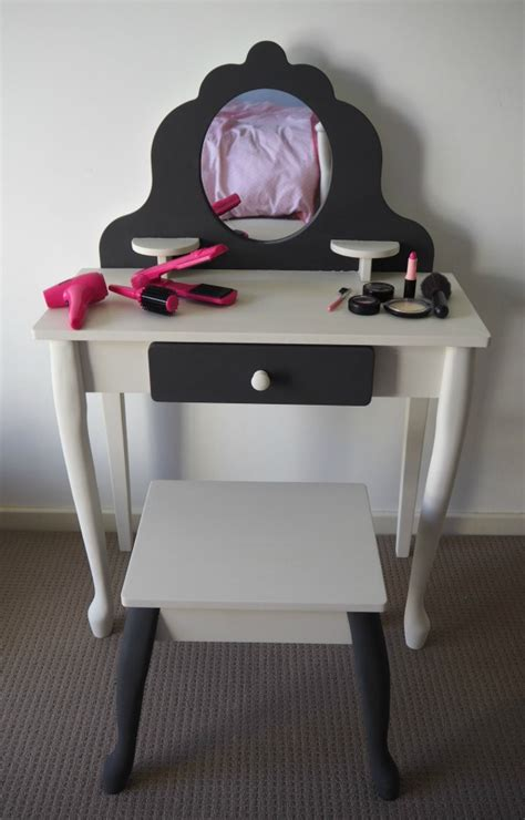 diy makeup vanity transformation using chalk paint