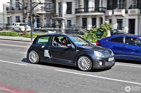 renault clio v6 white renault clio v6 phase ii 23 july 2016 autogespot