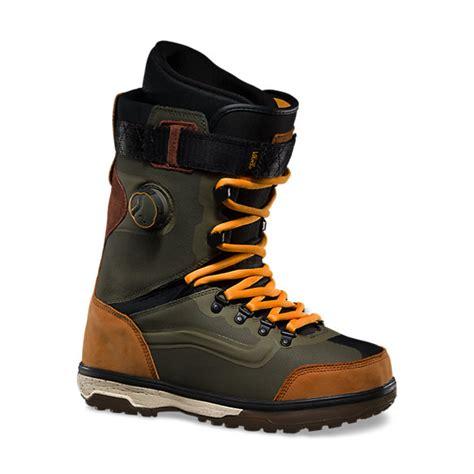 mens vans boots mens infuse shop snowboarding boots at vans