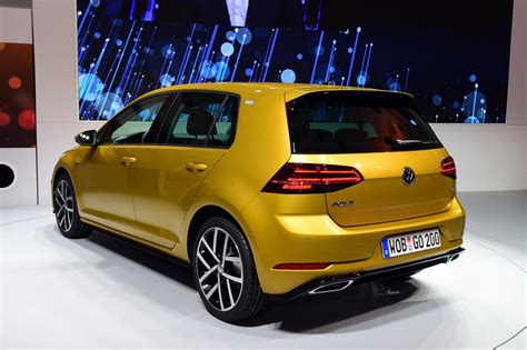 new 2017 volkswagen golf facelift pictures auto express