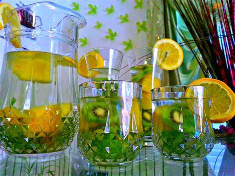 Kiwi Apple Detox Water by Kiwi Pineapple Lemon Detox Water Omgies
