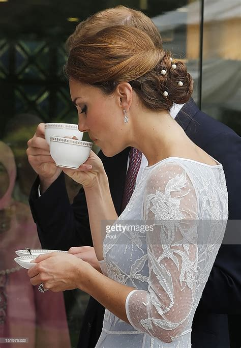 duchess kate the duchess of cambridge graces the cover of the duke and duchess of cambridge diamond jubilee tour