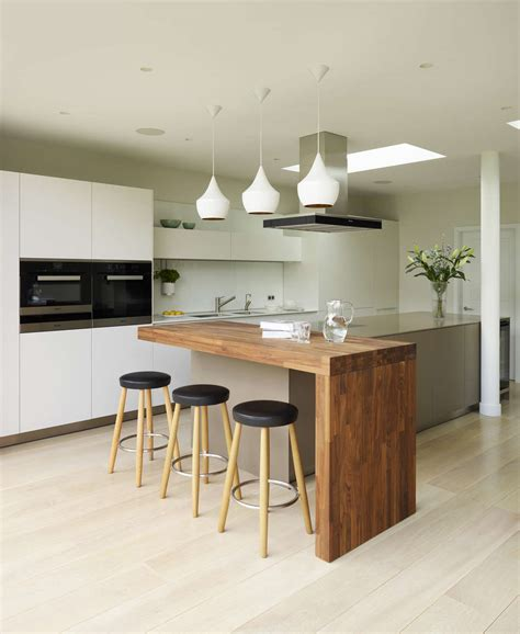 designer kitchens potters bar k 252 che mit bar tresen theke in der k 252 che holztresen