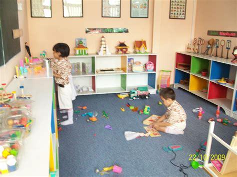wallpaper anak anak bermain desain ruangan bermain anak rumah minimalis