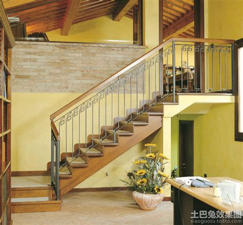 Simple Stairs Design For Small House 小复式楼梯设计图 土巴兔装修效果图