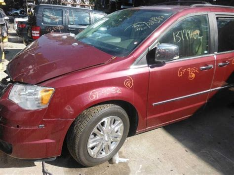 2008 chrysler town and country accessories used 2008 chrysler town and country engine accessories