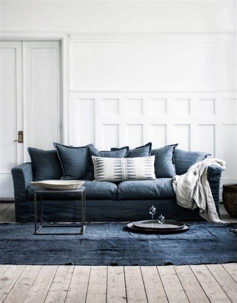 blue sofas living room vita v 228 ggar v 228 ggpanel h 246 g panel bl 229 soffa linnesoffa