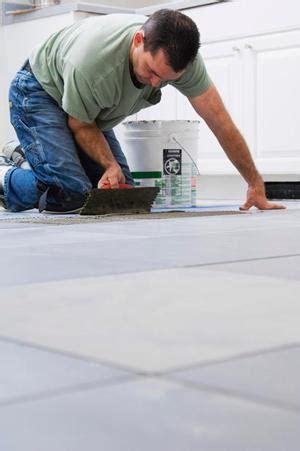 stuccare piastrelle fughe per pavimenti scelta colore stuccatura e