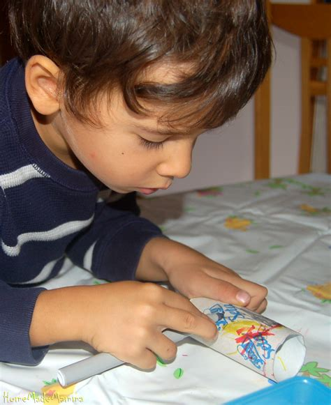 ragnetti in casa creare coccinelle farfalline e ragnetti di cartone