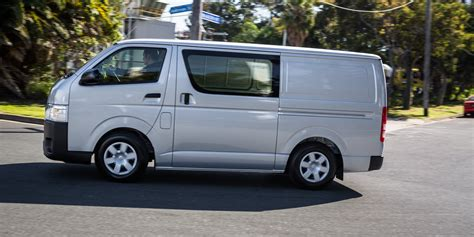 toyota hiace truck toyota hiace bus www imgkid com the image kid has it