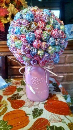Handbouqet Flower 1 lollipop bouquet made with a styrofoam dum dums and