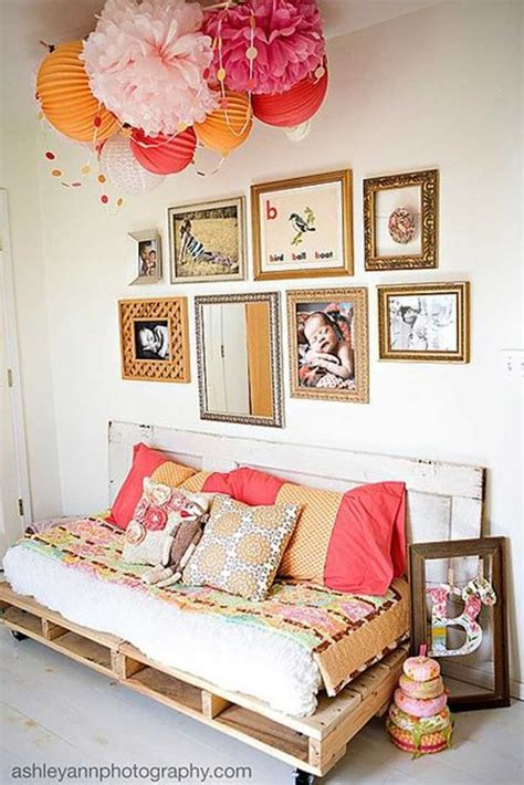 Design Ideas For Reading Ls For Bed 16 Impresionantes Ideas Para Hacer De Tu Cama Una Maravilla Con Pallets Diy Pallet Bed