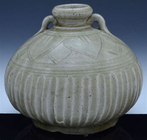 celadon glazed lotus vase china song ming dynasty