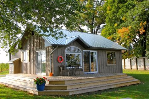 cottage airbnb 15 amazing airbnbs you can rent with your friends in ontario