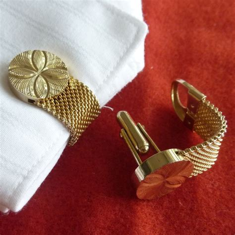 wrap around beautiful gold tone floral motif wrap around cuff links