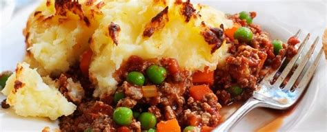 Quorn Mince Cottage Pie by Quorn Cottage Pie