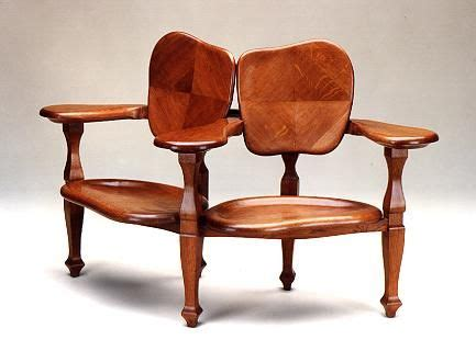 muebles modernistas de antonio gaudi al momento de