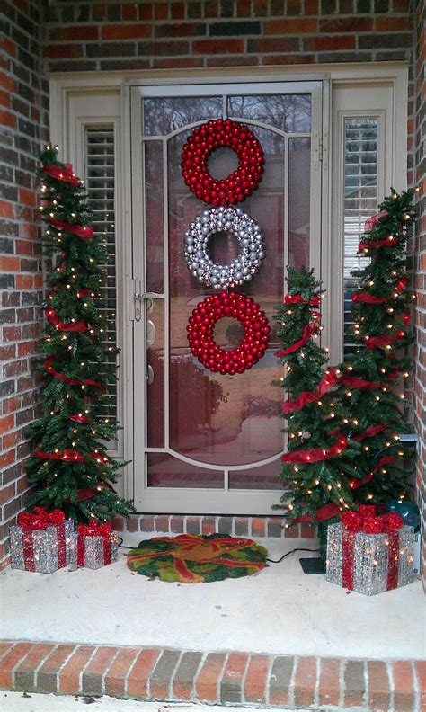 outdoor decorations for christmas 50 best outdoor christmas decorations for 2018