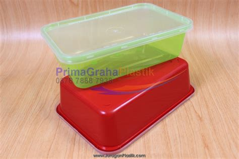 sanpak kotak oven tutup 650 ml hijau merah stock
