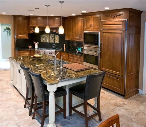 Gourmet Kitchen Island | mahogany gourmet kitchen with white glazed center island