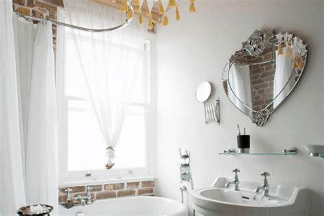 Cermin Kamar Mandi ide seru penataan cermin di kamar mandi parenting