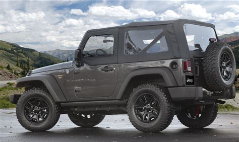 jeep unveils seven new 2014 jeep wrangler willys wheeler edition unveiled