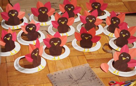 How To Make Turkeys Out Of Paper Plates - turkey paper plate hat pink stripey socks