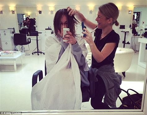 why did kaley cuoco cut her hair off kaley cuoco cuts six inches of hair off for sexy new bob