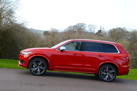 volvo xc  twin engine  drive greencarguidecouk
