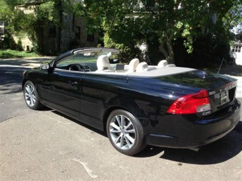 sell   volvo  hardtop convertible navigation  miles black  brooklyn  york