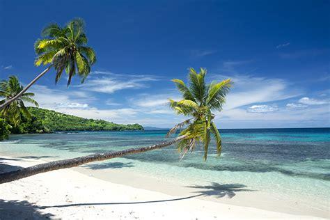 explore fijis  enticing islands goway