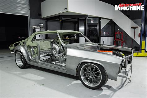 build a holden widebody hq monaro shqrp in the build