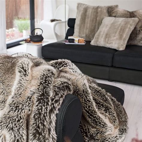 home decke winter home webpelzdecke yukonwolf wohndekor m 252 ller