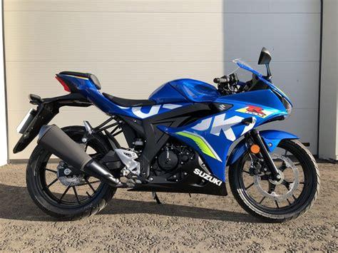 suzuki gsx  cc sports bike  suzuki