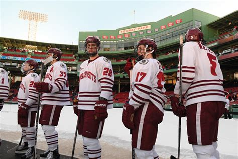 Finder Umass Amherst Umass Hockey Fenway 1600 Alt Jpg Umass Magazine Umass