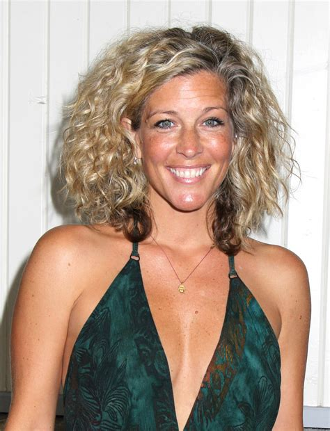 gh soap hair styles see general hospital star laura wright s hottest
